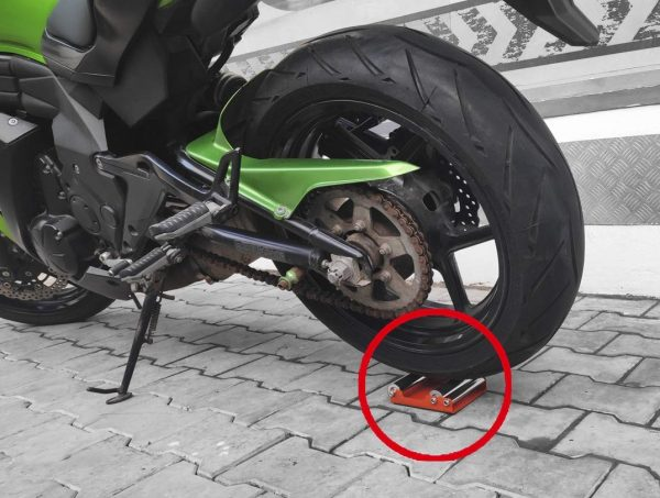 How to clean and lube motorcycle chain for long life and smooth ride?